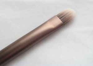 urban-decay-karma-shadow-brush